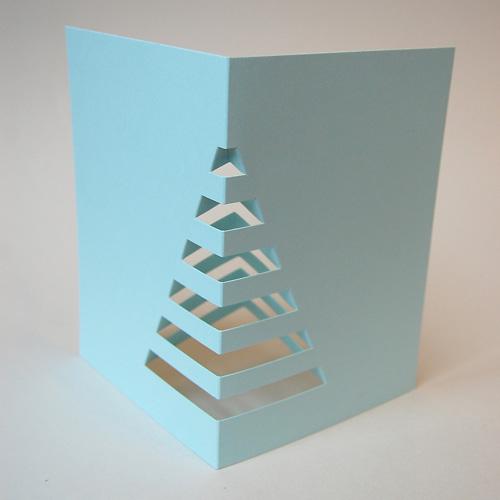 hellblaue weihnachtskarten zum basteln weihnachtsbaum f r den schreibtisch. Black Bedroom Furniture Sets. Home Design Ideas