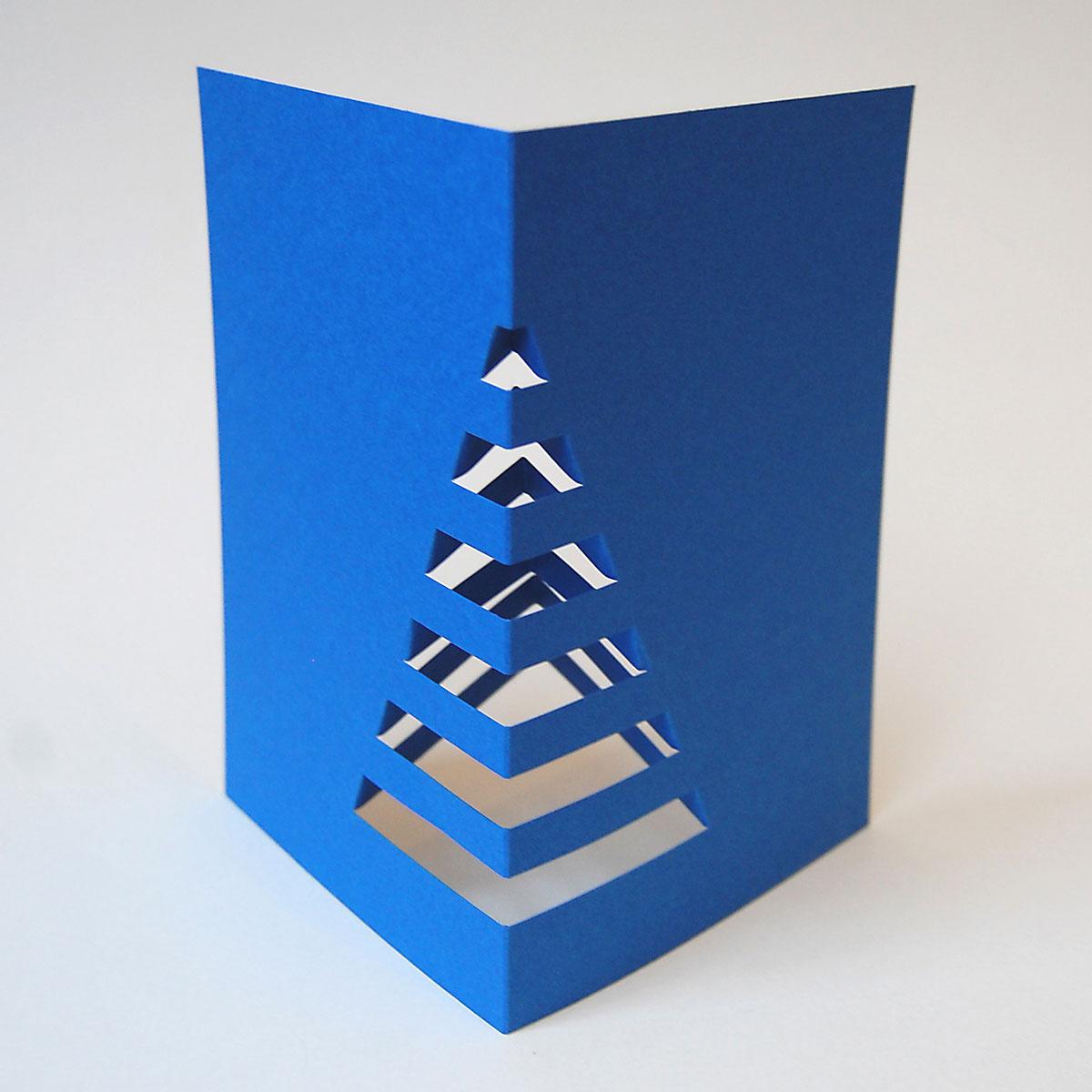 schicke blaue recycling weihnachtskarten zum basteln weihnachtsbaum f r den schreibtisch. Black Bedroom Furniture Sets. Home Design Ideas